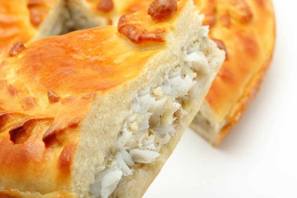 Пирог с треской и капустой